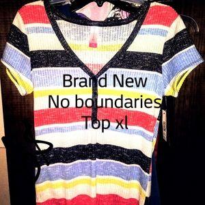 Brand New women's no boundaries XL top